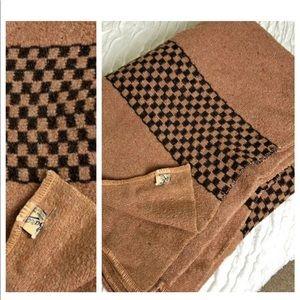 Vintage BARON Woolen Mills wool blanket.